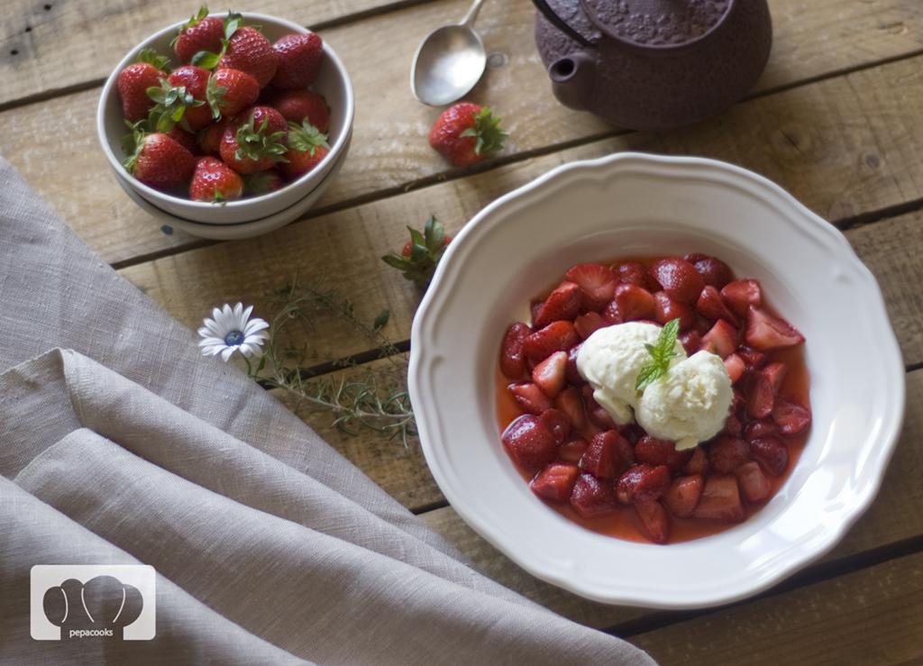 Fresas agridulces con helado de aceite