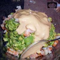ensalada de aguacate con gambas