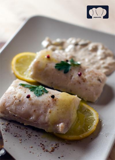 receta de merluza al limón. cocina al vacio