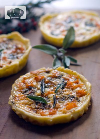 receta de tartaletas de calabaza, queso stilton y salvia