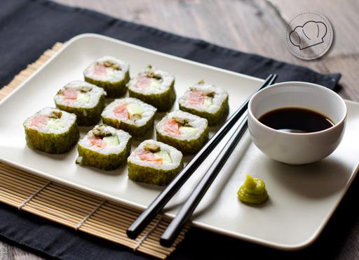 receta de Makis de salmon ahumado, pepino y alcaparras