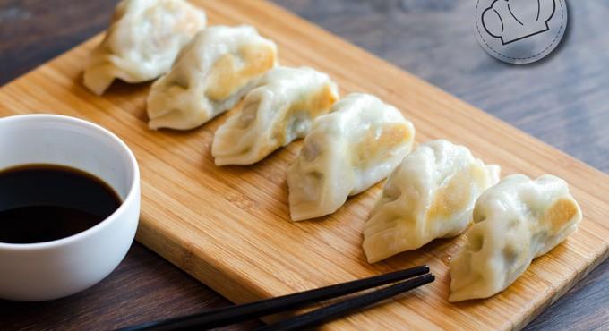 Falso dumpling de cerdo, col y cebolleta